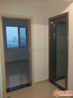 吉房出租:中南世纪城精装三室 1400元每月