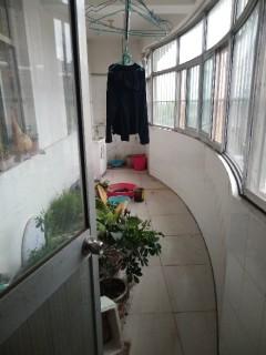 3室2厅1卫156.9m²中档装修