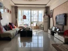 (圣城街道)美林花园3室2厅1卫150m²精装修