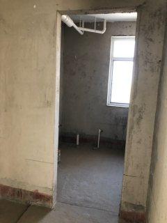 学府东郡3室144.6平毛坯 大三室 南北通透 随时看房