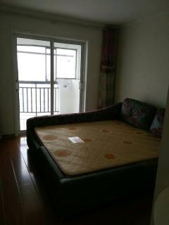中南世纪城2室1厅1卫百平精装温馨小区吉房出租