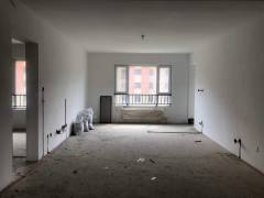 金桂园3室2厅2卫140m²毛坯房带车位储藏室110万