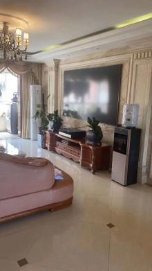 (圣城街道)怡景花园3室2厅2卫160m²精装修