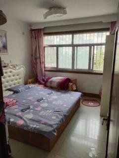 (圣城街道)兆祥小区3室1厅1卫123m²简单装修