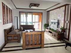 吉房出租:中南世纪城3室2厅1卫138平豪装带车储2千4每月