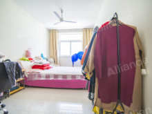(圣城街道)温泉四季花园3室2厅1卫131m²精装修