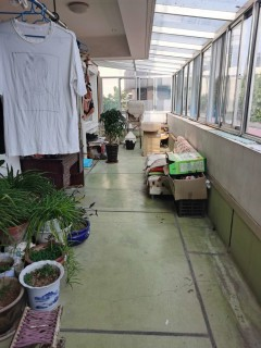 福盛家园 多层1楼带超大阳台 车库 带家具家电拎包入住
