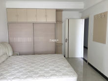 建桥学区房 巴龙国际3室2厅1卫135m²精装修送车位储藏室