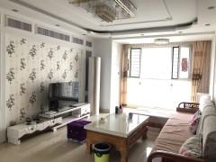 吉房出租:中南世纪城3室2厅2卫140平年付2万7