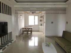 吉房出租:中南世纪城3室精装南北通透 2千每月,年付