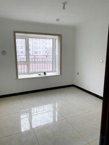 中南花城3室2厅2卫132m²精装修