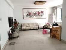 (圣城街道)中央华府3室2厅1卫136m²精装修