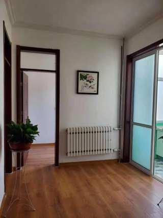 市府家属院3室1厅1卫35.5万68m²小三室精装修出售带储藏室