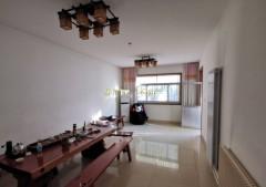教师新村1楼 3室2厅 带车库 149平 80万